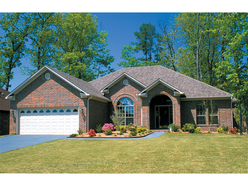 Ranch House Plan Front of Home 055D-0031