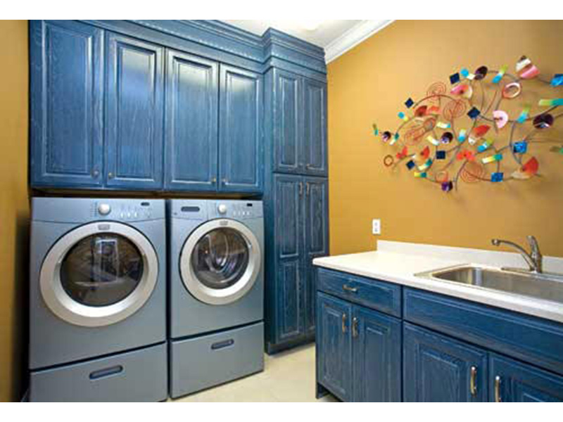 Ranch House Plan Laundry Room Photo 01 - 055D-0077 | House Plans and More