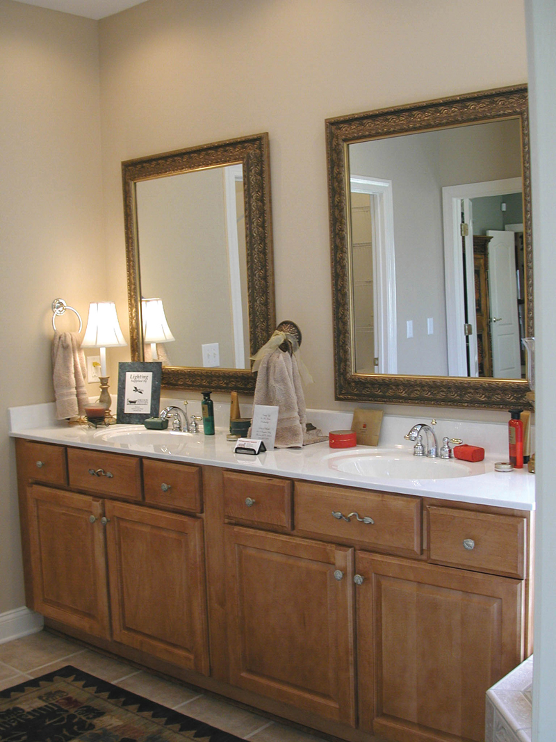 Traditional House Plan Bathroom Photo 01 055D-0174