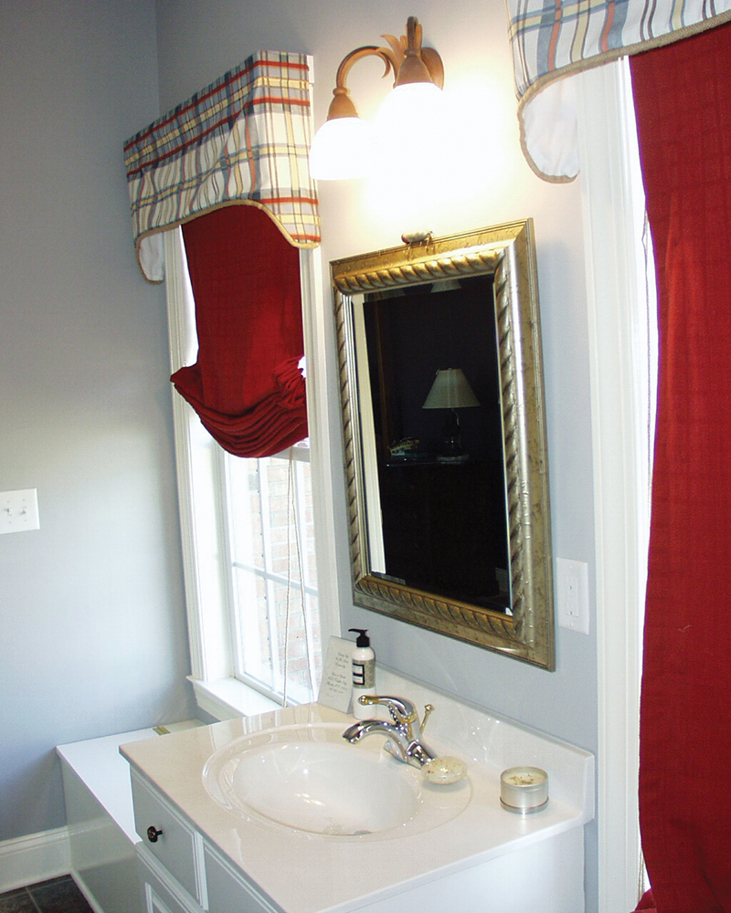 Southern House Plan Bathroom Photo 03 055D-0174