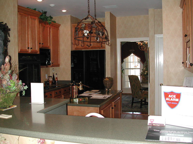 Colonial House Plan Kitchen Photo 01 055D-0174