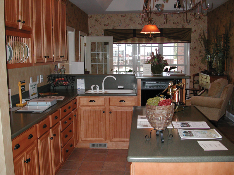 Colonial Floor Plan Kitchen Photo 02 055D-0174