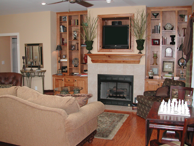 Traditional House Plan Living Room Photo 03 055D-0174