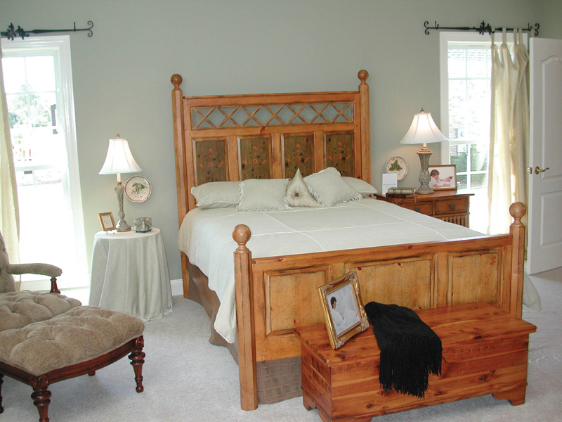 Colonial Floor Plan Master Bedroom Photo 01 055D-0174