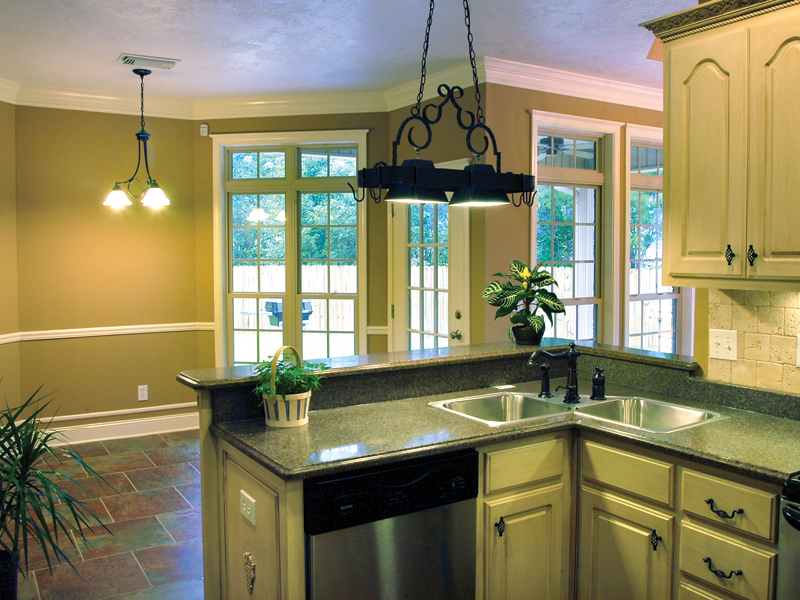 Traditional House Plan Kitchen Photo 01 055D-0289