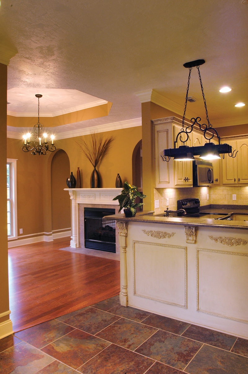 Traditional House Plan Kitchen Photo 04 055D-0289