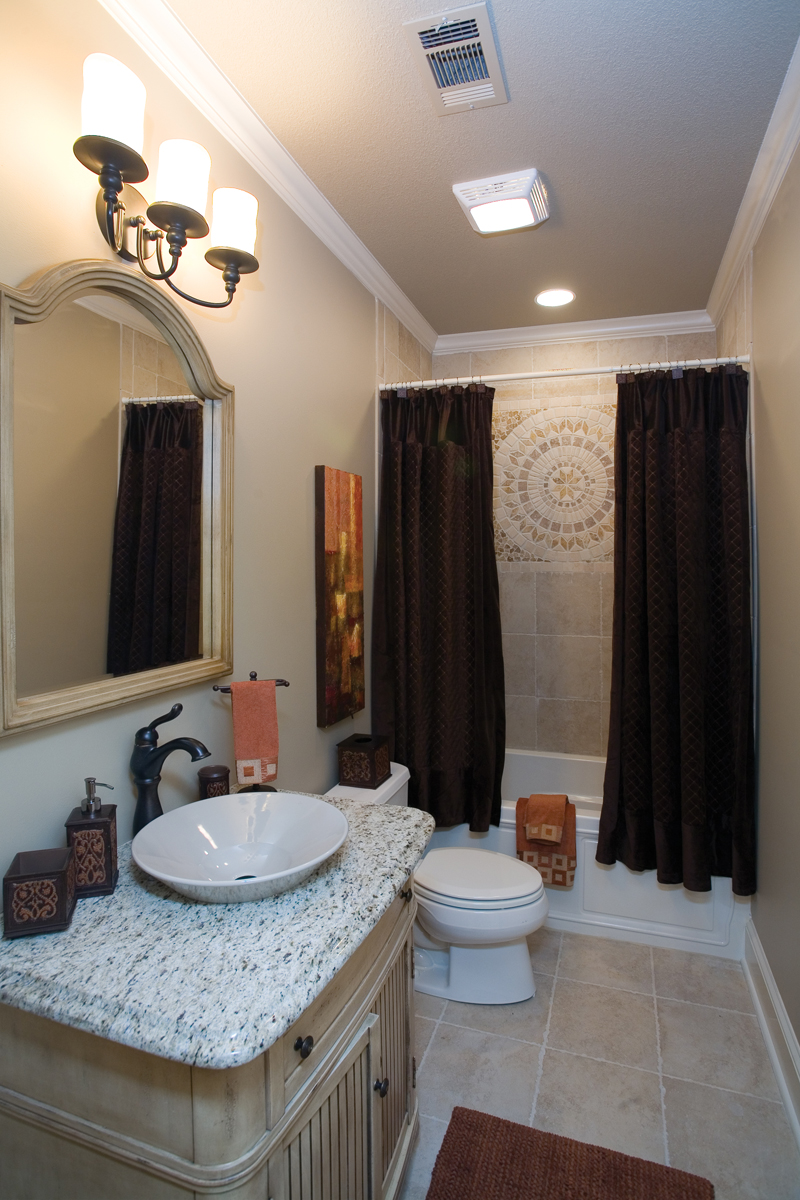 Ranch House Plan Bathroom Photo 01 055D-0748