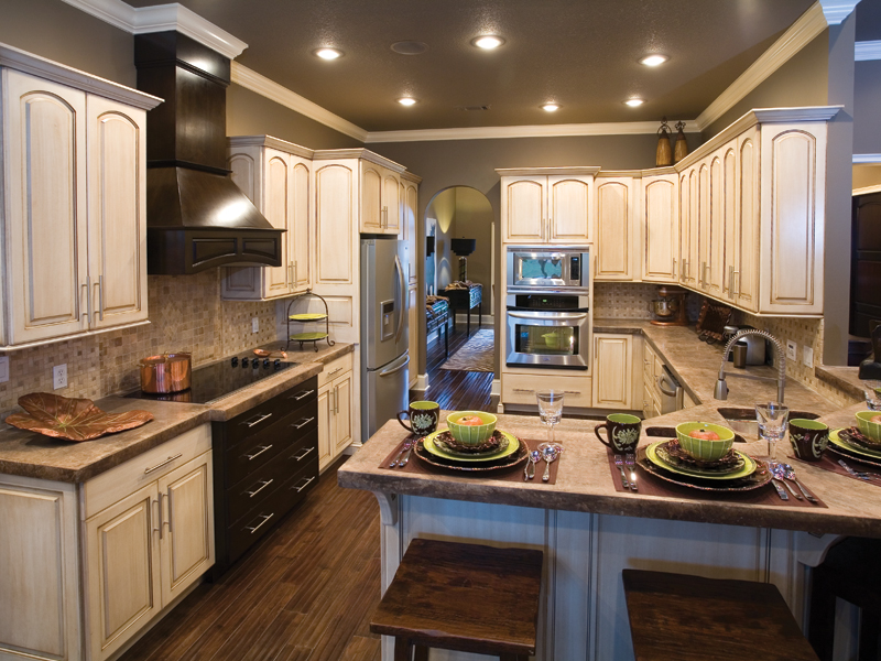 Traditional House Plan Kitchen Photo 02 055D-0748