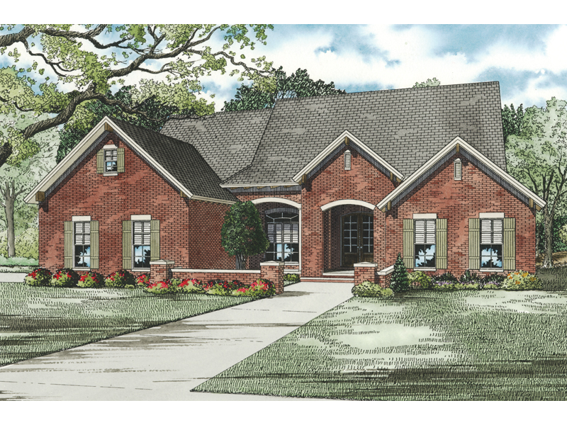 Traditional House Plan Front of Home - 055D-0811 | House Plans and More