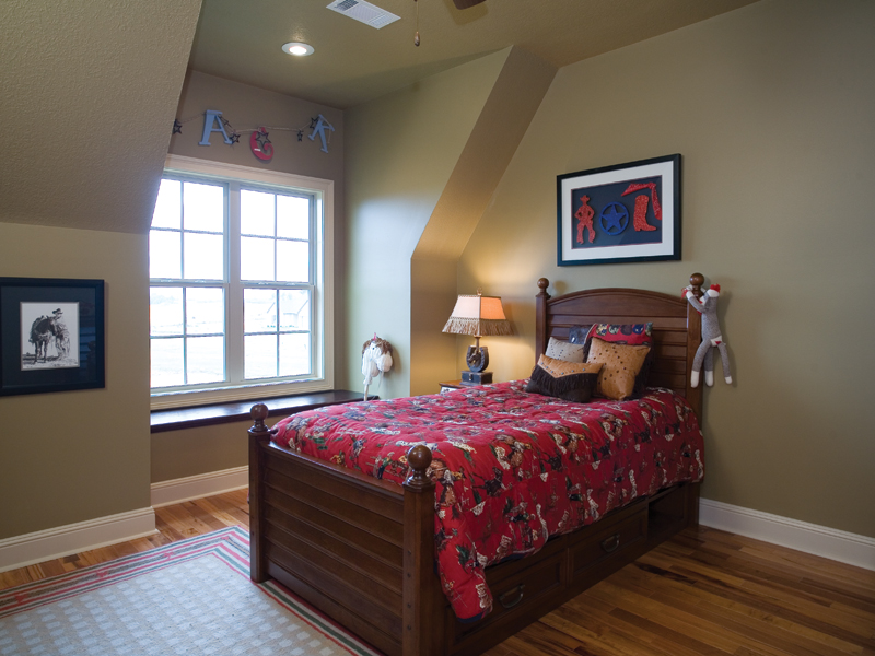 Tudor House Plan Bedroom Photo 02 055D-0817