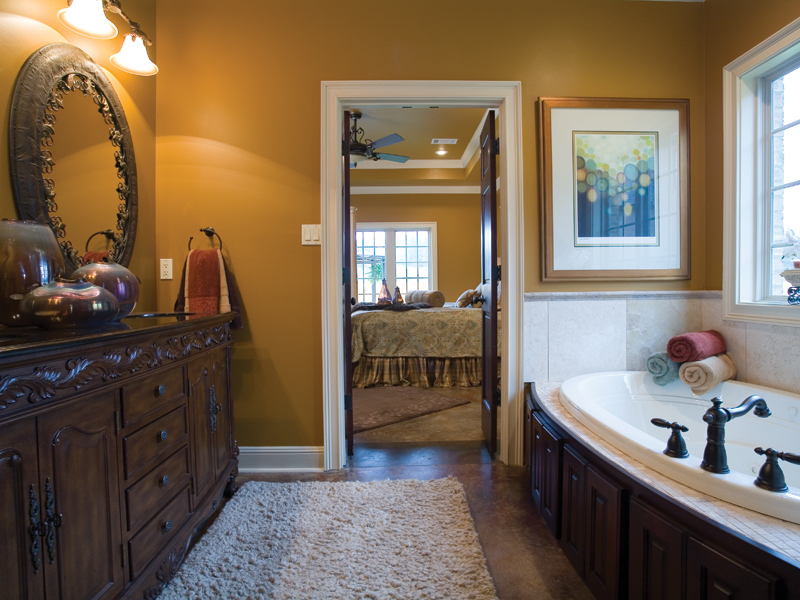 European House Plan Master Bathroom Photo 01 055D-0817