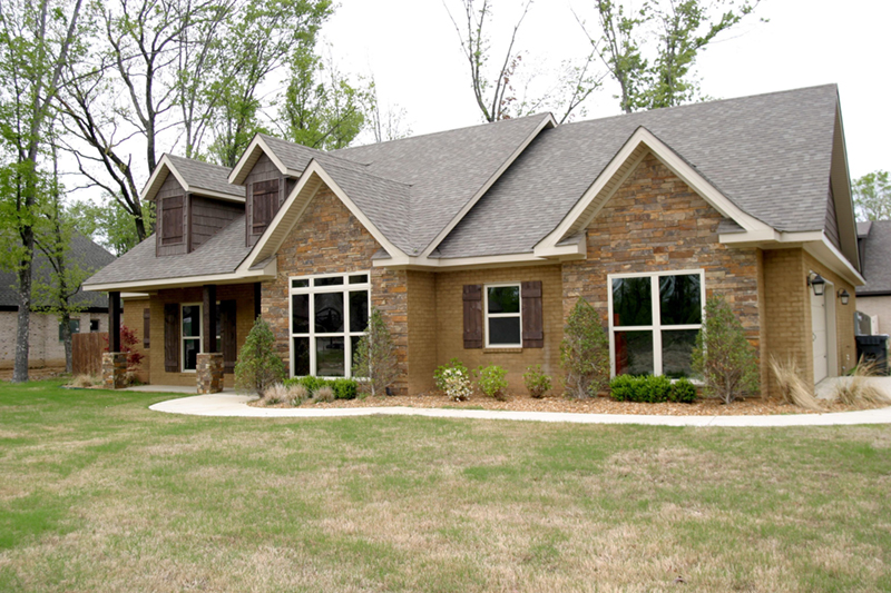 Ranch House Plan Front of Home 055D-0864