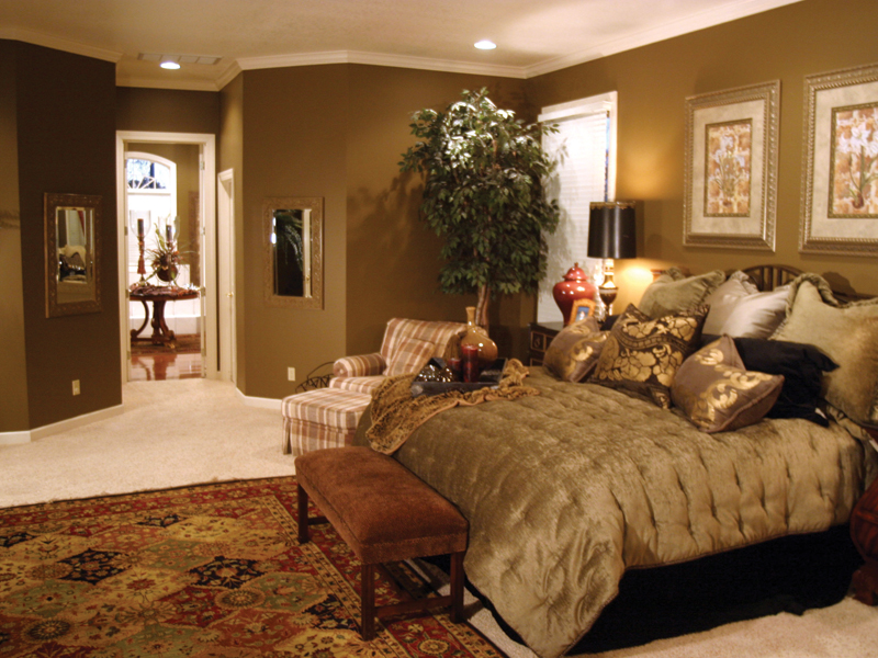 Traditional House Plan Bedroom Photo 03 055S-0027