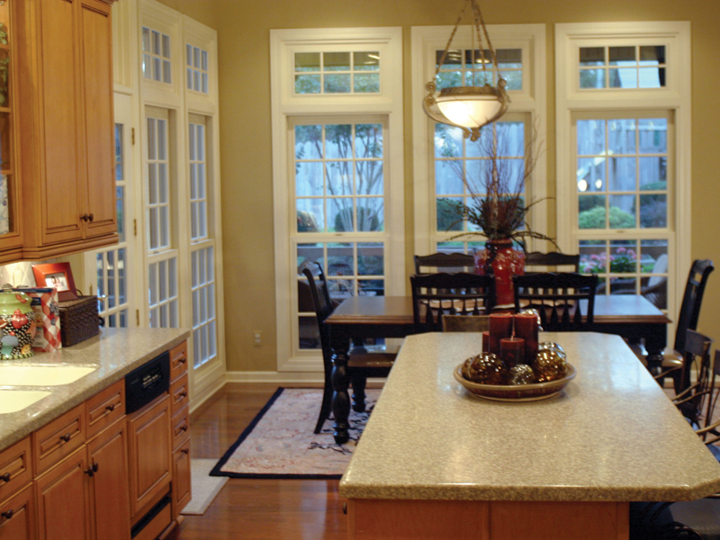 Traditional House Plan Kitchen Photo 01 055S-0027