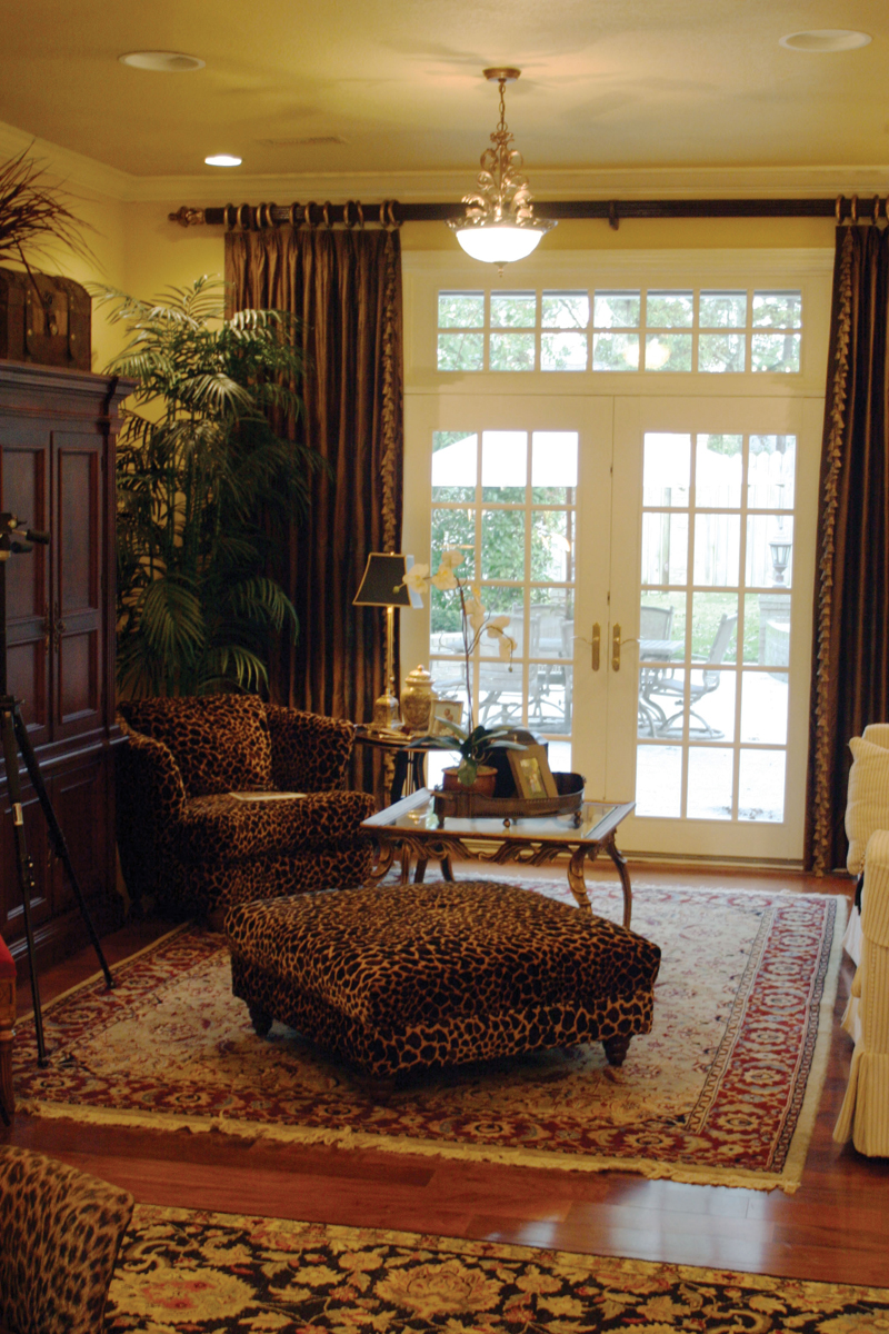 Country House Plan Living Room Photo 01 055S-0027