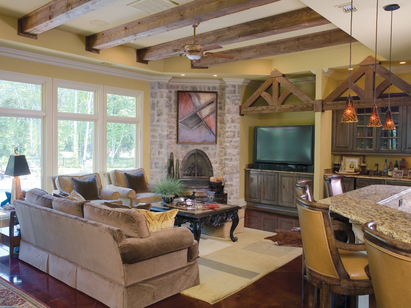 Traditional House Plan Living Room Photo 01 055S-0036