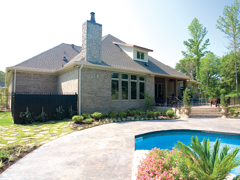 Traditional House Plan Rear Photo 01 055S-0036
