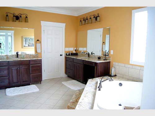 Traditional House Plan Master Bathroom Photo 01 - 055S-0054 | House Plans and More