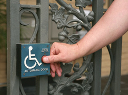 gate with wheelchair and handicap accessiblity