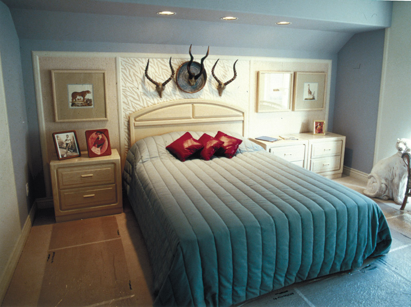 Luxury House Plan Bedroom Photo 01 062D-0016