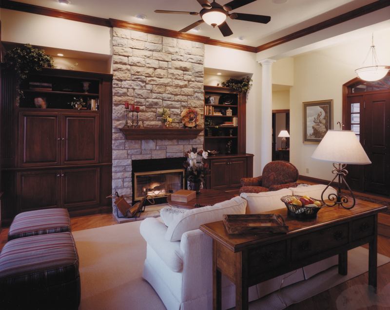 Traditional House Plan Great Room Photo 01 065D-0013