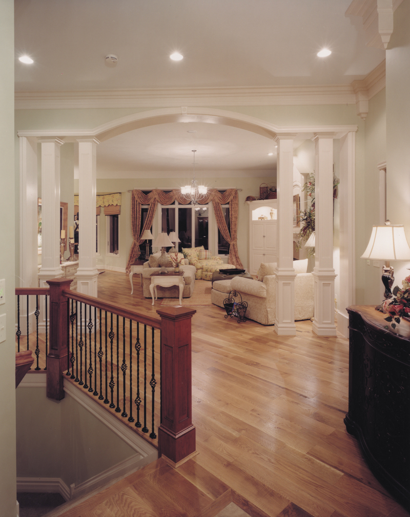 Traditional House Plan Great Room Photo 01 065D-0041