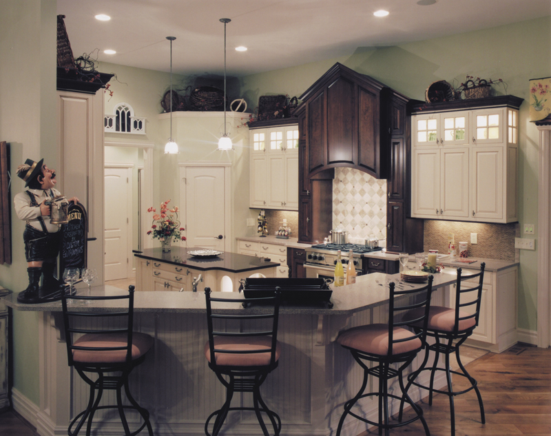 Traditional House Plan Kitchen Photo 02 065D-0041
