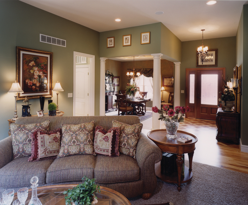Traditional House Plan Great Room Photo 03 065D-0103