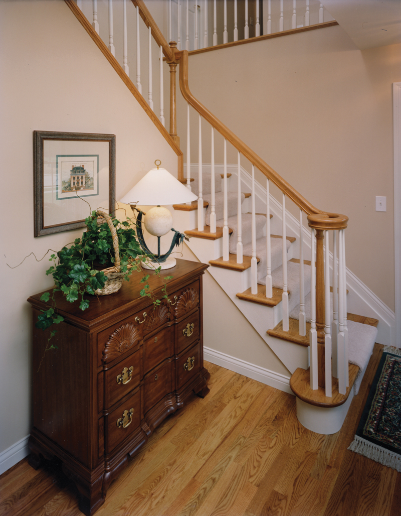 Traditional House Plan Stairs Photo 065D-0175