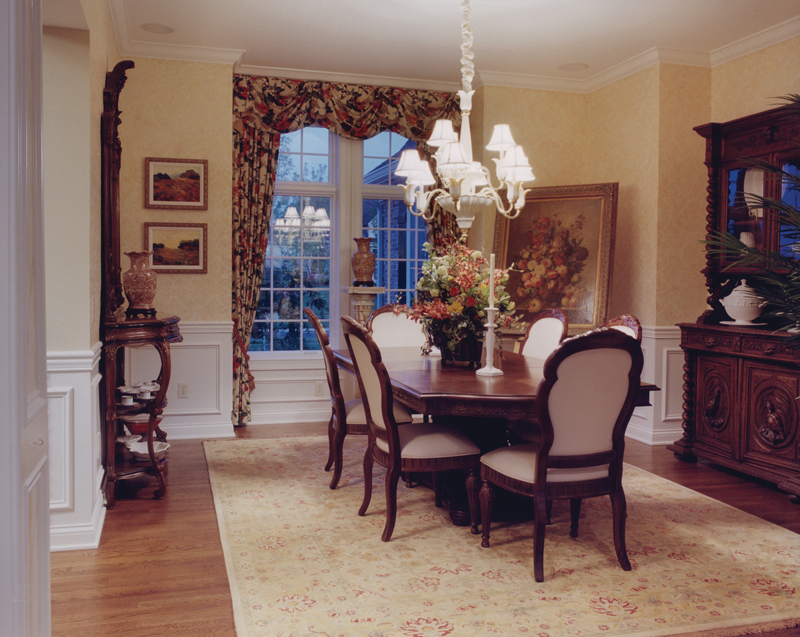 Country French Home Plan Dining Room Photo 01 065D-0229