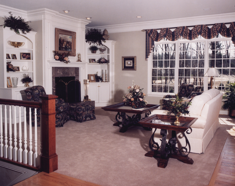 Cape Cod and New England Plan Great Room Photo 02 065S-0008