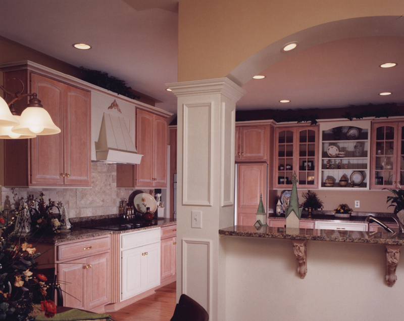 Cape Cod and New England Plan Kitchen Photo 01 065S-0008