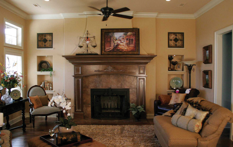 European House Plan Living Room Photo 01 067S-0001