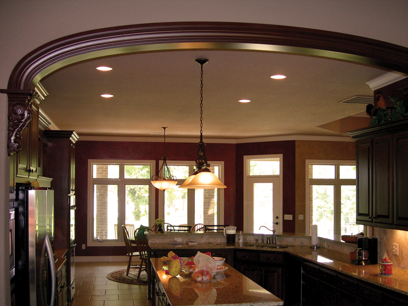 Traditional House Plan Dining Room Photo 01 067S-0004