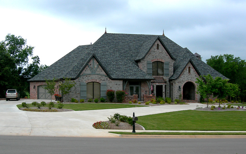 Ranch House Plan Front of Home 067S-0004