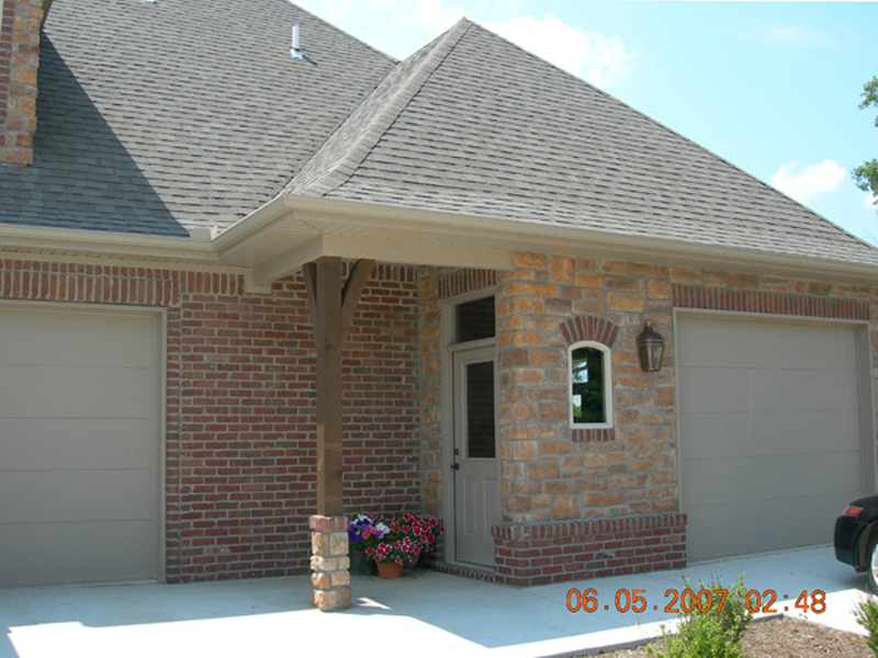European House Plan Side Entry Photo 067S-0006