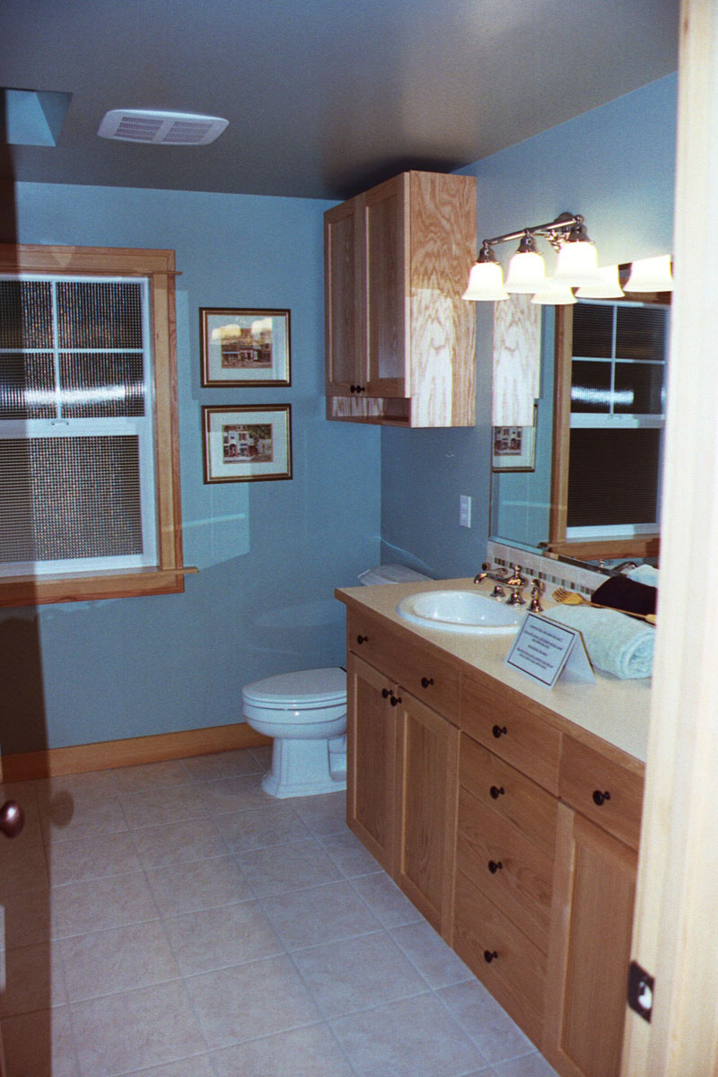Country House Plan Bathroom Photo 01 071D-0013