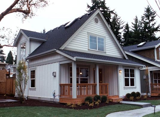 Symmetrical Country Home With Cozy Feel