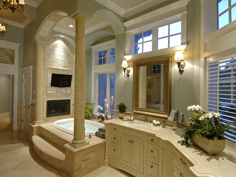 Luxury House Plan Master Bathroom Photo 01 - 071S-0001 | House Plans and More