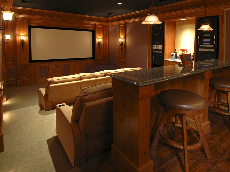 Luxury House Plan Media Room Photo 01 071S-0001