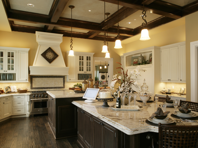 Traditional House Plan Kitchen Photo 01 071S-0002