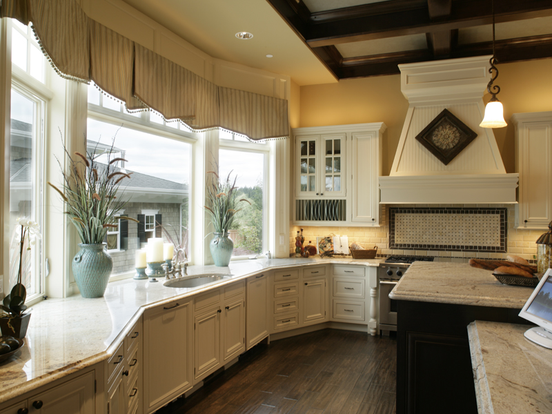 Traditional House Plan Kitchen Photo 02 071S-0002