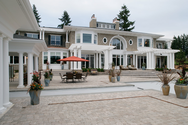 Luxury House Plan Patio Photo 071S-0002