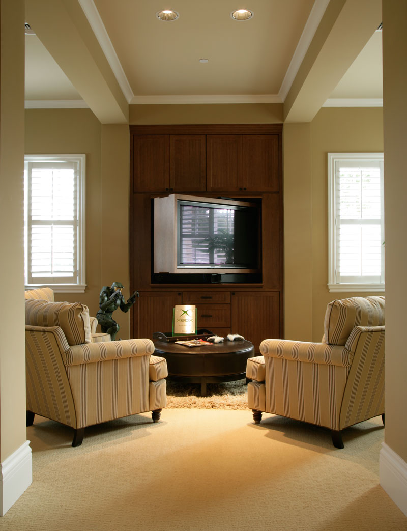 Luxury House Plan Sitting Area Photo 071S-0002