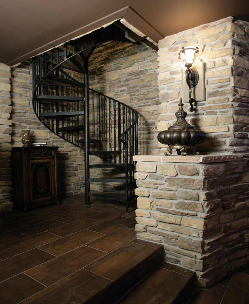 Luxury House Plan Stairs Photo 01 071S-0002
