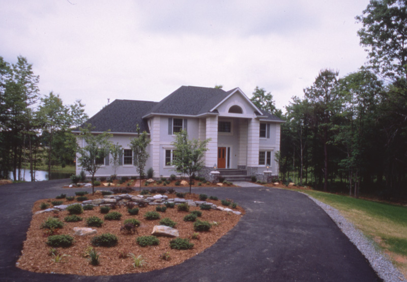 Traditional House Plan Front Photo 01 072D-0026