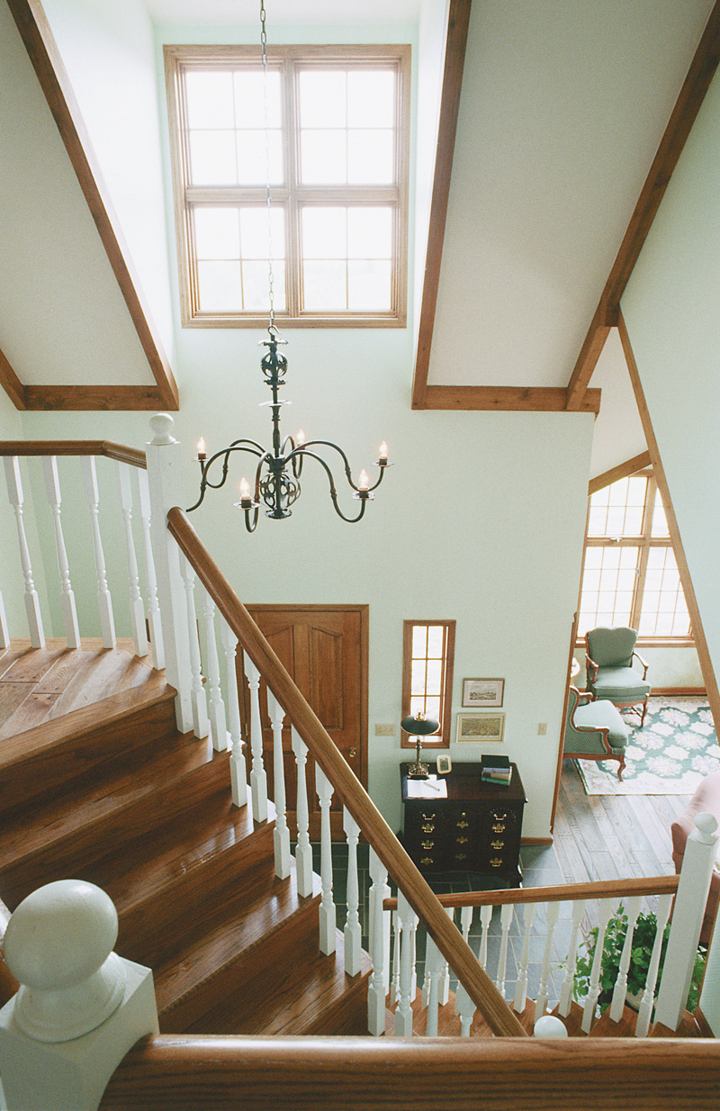 Colonial Floor Plan Stairs Photo 01 072D-0428