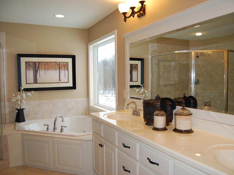 European House Plan Bathroom Photo 01 072D-1109
