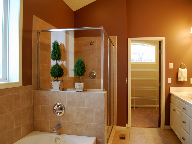 Ranch House Plan Bathroom Photo 01 072D-1110