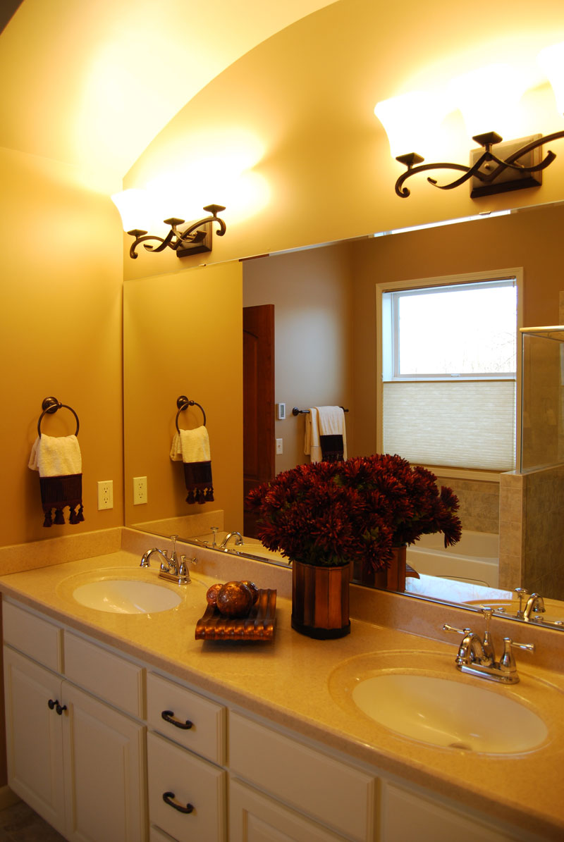 Cabin & Cottage House Plan Bathroom Photo 02 072D-1112